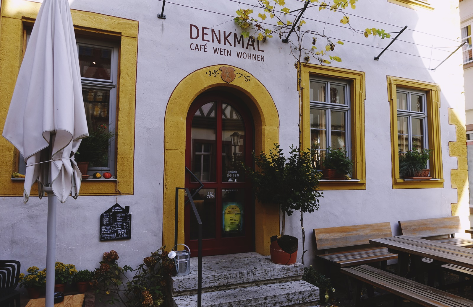 Frontansicht Cafe Denkmal Maingasse Karlstadt