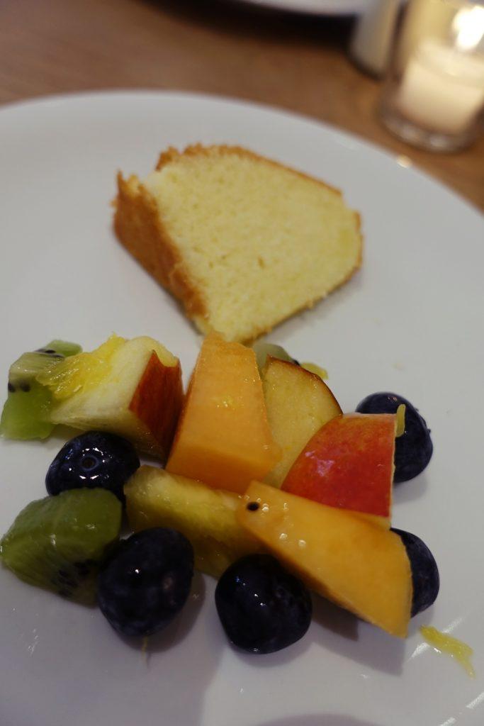 Fruchtsalat Zitronenkuchen